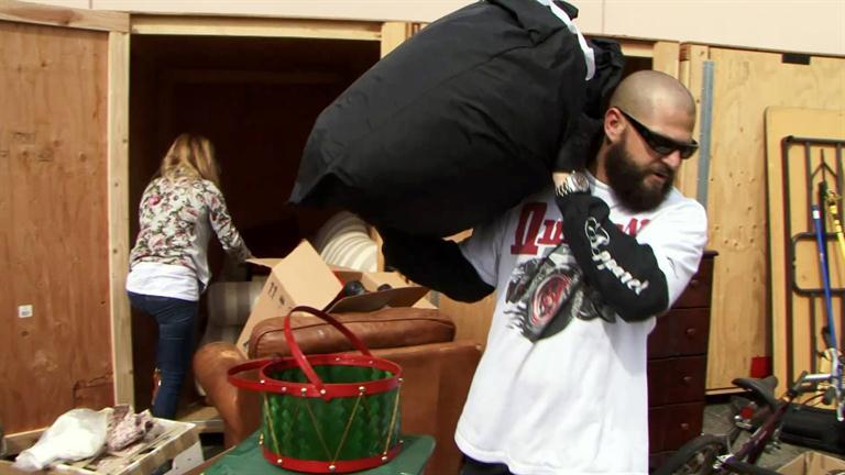 Storage Wars: Jarrod and Brandi's Inflatable Movie Screen